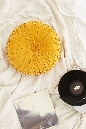 urbanoutfitters_round_pillow