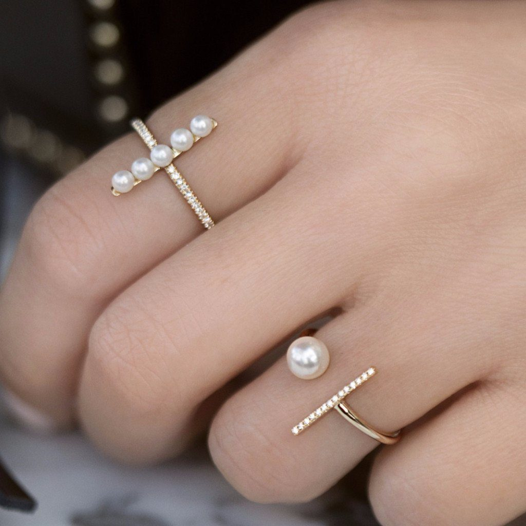 anne_sisteron_bar_pearl_tori_ring_modeled