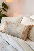 urbanoutfitters_geo_pillow