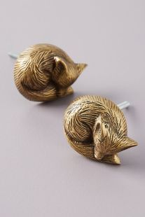 anthropologie_sleeping_fox_knobs